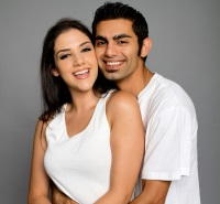 Happy couple who met through Muslim dating sites