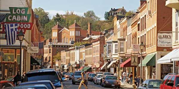 Main St Galena: romantic places in Illinois