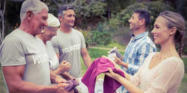 Meet single women in Dallas by volunteering
