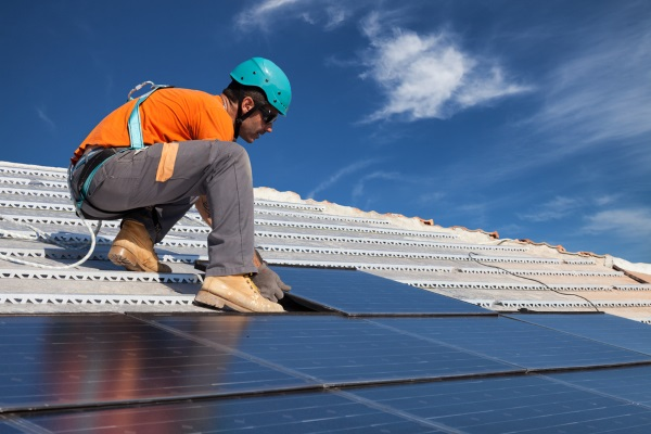 installing-solar-panel-for-energy-and-financial-benefits