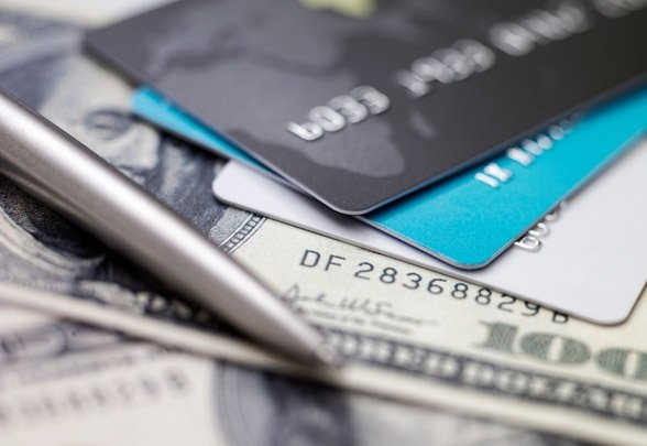 Credit cards vs personal loans: Which is the better option?