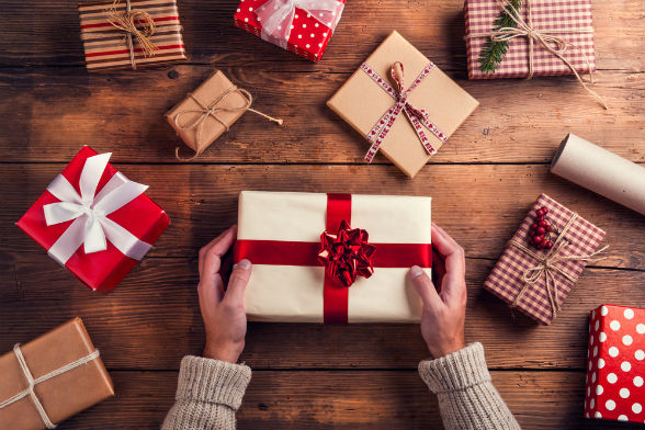 Don't make yourself a gift to cyber criminals this holiday season!