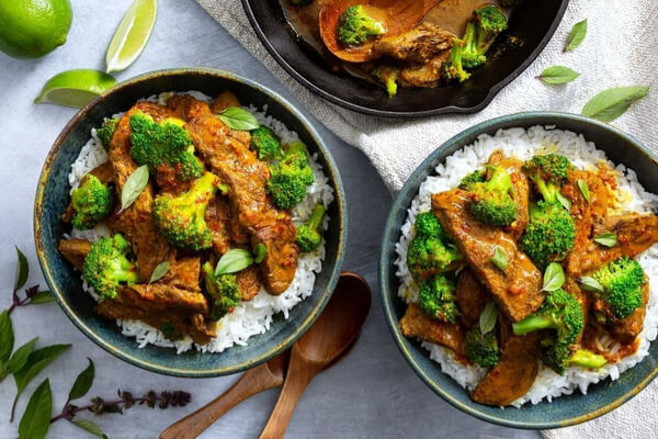 Spicy Thai-Style Beef with Broccoli and Basmati Rice