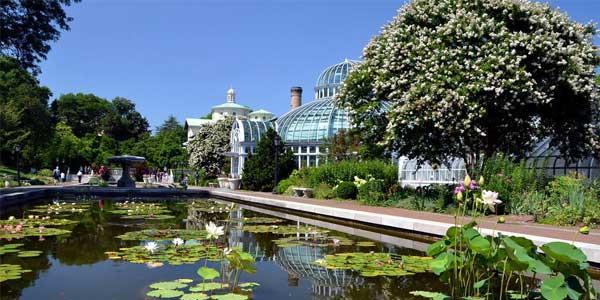 Date hotspots in NYC – Brooklyn Botanic Garden