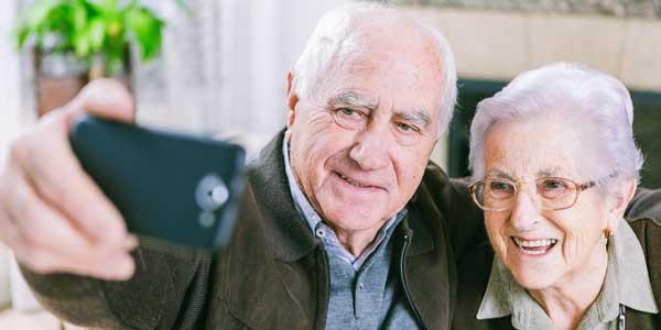 Widows and widowers meeting online