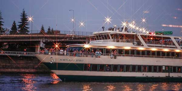 Portland singles meet at a Portland Spirit Cruise