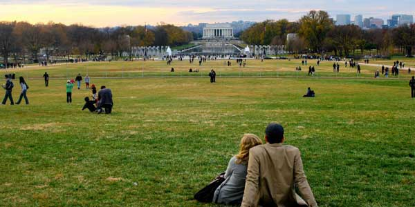 Dating in DC at the National Mall