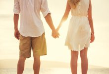 Couple holding hands - best Christian dating sites